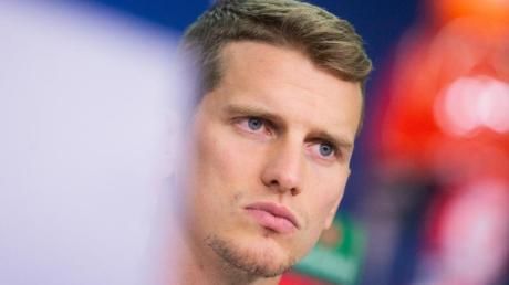 Lars Bender fehlt Bayer Leverkusen in der anstehenden Bundelsiga-Partie gegen RBLeipzig. Foto: Rolf Vennenbernd/dpa