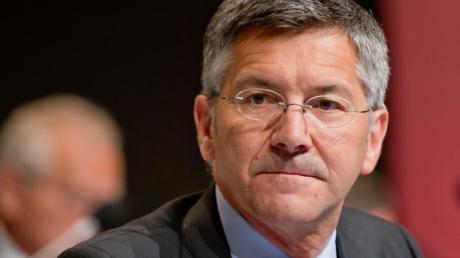 Hainer sieht sich nach seiner Vergangenheit als Adidas-Chef gut für die Hoeneß-Nachfolge beim FCBayern München gerüstet.