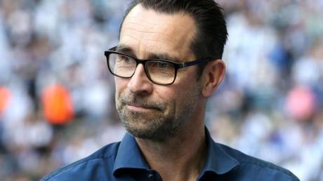 Herthas Geschäftsführer Michael Preetz hat die Hertha-Fans für Schmähungen von Dietmar Hopp gerügt.