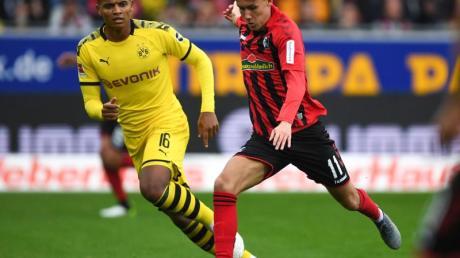 Luca Waldschmidt (r) wird dem SC Freiburg wohl weiter fehlen. Foto: Patrick Seeger/dpa