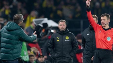 Rot gesehen: Gladbach-Coach Marco Rose. Foto: Bernd Thissen/dpa