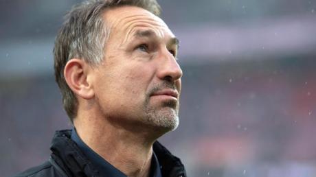 Unter Druck: Köln-Coach Achim Beierlorzer. Foto: Marius Becker/dpa