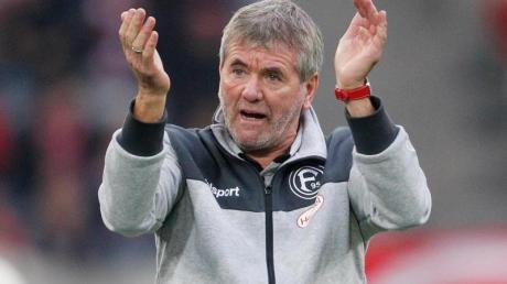 Schaut schon auf die Zeit nach der Trainer-Karriere: Düsseldorf-Coach Friedhelm Funkel. Foto: Roland Weihrauch/dpa