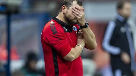 Haderte bei der Paderborn-Pleite gegen Augsburg mit dem Schiedsrichter: SC-Coach Steffen Baumgart. Foto: David Inderlied/dpa