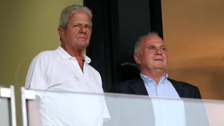 Zwei Persönlichkeiten im deutschen Fußball: Dietmar Hopp (l) und Uli Hoeneß. Foto: Hasan Bratic/dpa