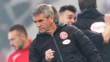 Fortuna Düsseldorf will mit Trainer Friedhelm Funkel vorzeitig verlängern. Foto: Roland Weihrauch/dpa