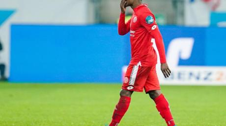 Der Mainzer Ridle Baku sah in der Partie gegen 1899 Hoffenheim die Rote Karte.
