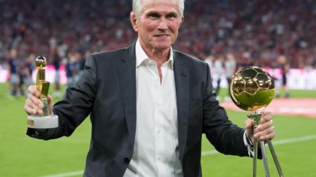 Jupp Heynckes kann sich ein längeres Engagement von Hansi Flick beim FC Bayern vorstellen.