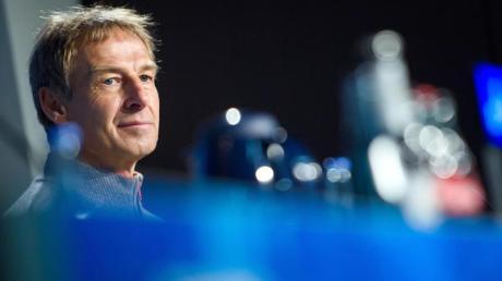 Lädt einen Youtuber ein, der sich bei Hertha eingeschmuggelt hatte: Trainer Jürgen Klinsmann .
