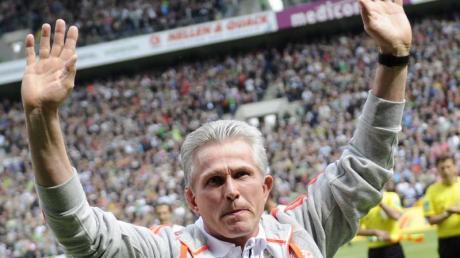 Am letzten Spieltag 2013 verabschiedet sich Bayern-Trainer Jupp Heynckes im Borussia-Park von den Zuschauern.