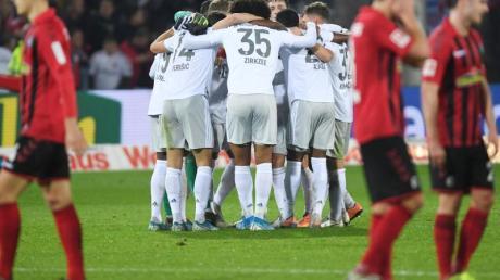 Durch zwei später Tore kam der FCBayern zum Sieg beim FC Freiburg.