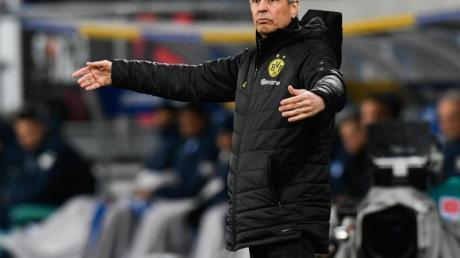 Geht schlecht gelaunt in die Winterpause: BVB-Coach Lucien Favre.