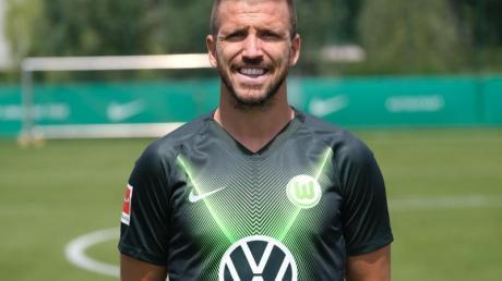 Stand in diesem Jahr nur für das Mannschaftsfoto im Wolfsburg-Trikot auf dem Platz: Ignacio Camacho (player).