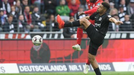 Simon Falette (r.) kam in dieser Saison bei der Eintracht kaum zum Zug.