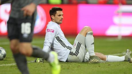 Frustriert: Bayern-Keeper Sven Ulreich musste beim Test in Nürnberg öfter hinter sich greifen.
