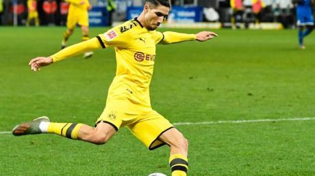 Abwehrspieler Achraf Hakimi kann sich noch nicht zwischen Borussia Dortmund und Real Madrid entscheiden.