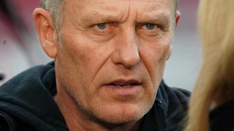 Freiburgs Trainer Christian Streich ist dafür, dass die Kabine ein Rückzugsort für die Spieler bleibt.