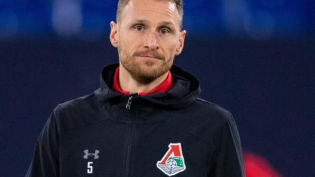 Der FC Köln bemüht sich um die Verpflichtung von Benedikt Höwedes.