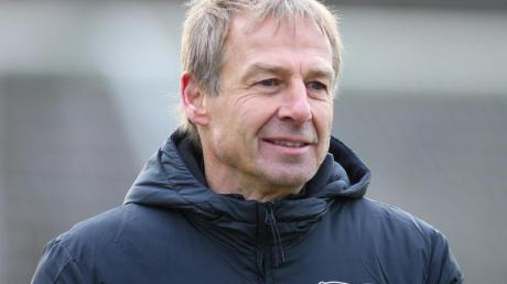 Kassierte 2009 als Bayern-Coach eine heftige Packung in Wolfsburg: Hertha-Trainer Jürgen Klinsmann.