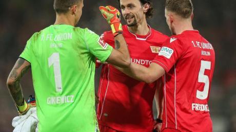 Neven Subotic (M) steht seit dieser Saison beim 1. FC Union Berlin unter Vertrag.