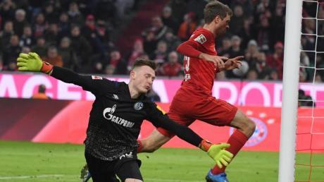 Schalke-Torwart Markus Schubert kassierte fünf Treffer gegen den FC Bayern München.