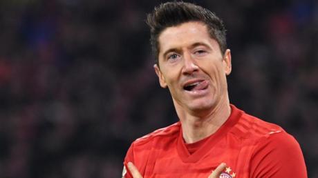 Achtelfinale der Champions League live im TV und Stream: Wie teilen sich Sky und DAZN die Übertragung auf? Hier die Infos.