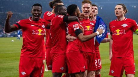 Die Profis von RB Leipzig hatten beim FCSchalke 04 leichtes Spiel.