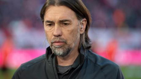 Der FC Augsburg sucht nach dem Aus von Martin Schmidt einen neuen Coach.