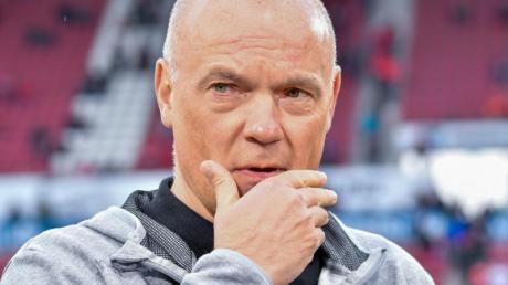 Muss sein Team auf das Geisterspiel gegen Paderborn vorbereiten: Fortuna-Coach Uwe Rösler.