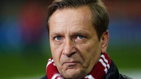 Horst Heldt, Geschäftsführer des 1.FC Köln, will keine Profis für die kommenden Länderspiele abstellen.