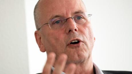 Fortuna-Boss Thomas Röttgermann warnt vor einer Zerreisprobe der Clubs.