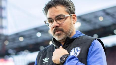 Auch Schalke-Trainer David Wagner und sein Team wollen in der Krise helfen.