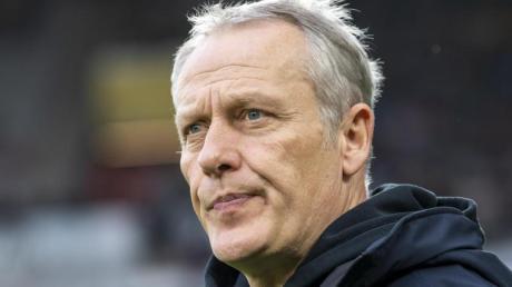 Freiburgs Coach Christian Streich leistet in der Krise seinen Beitrag.