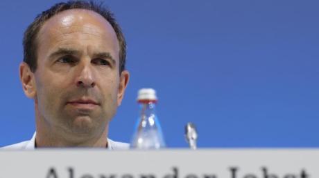 Verzichtet auch auf einen Teil seines Gehalts: Schalkes Vorstand Alexander Jobst.