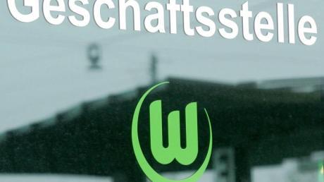 Spieler des VfL Wolfsburg beteiligen sich an Solidaritätsmaßnahmen.