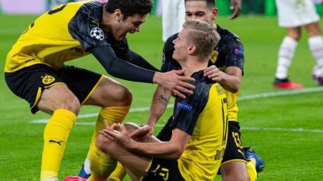 Jubel im Schneidersitz: BVB-Torjäger Erling Haaland.