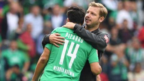Werder-Trainer Florian Kohfeldt kann auf seinen Stürmer Claudio Pizarro bauen.
