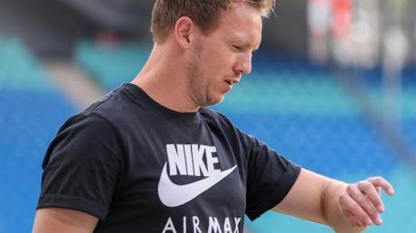 Leipzigs Trainer Julian Nagelsmann will mit seinem Team sich für die Champions League qualifizieren.