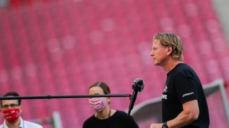 Kölns Trainer Markus Gisdol beim Interview.