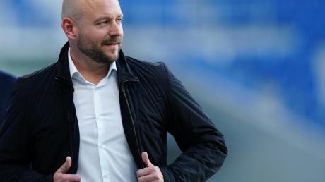 Hoffenheims Sportchef Alexander Rosen ist auf Trainersuche.