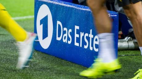 Fußball-Höhepunkte werden weiter bei ARD und ZDF gezeigt.