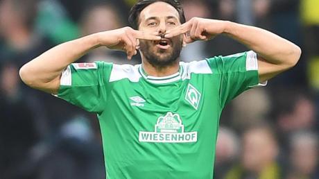 Claudio Pizarro ist der ausländische Profi mit den meisten Einsätzen in der Bundesliga.
