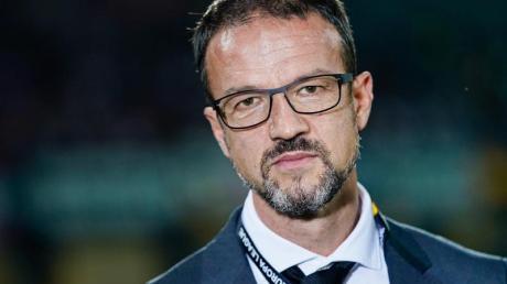 Fredi Bobic glaubt nicht an eine Gehaltsobergrenze bei Fußball-Profis.