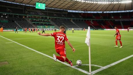 In Corona-Zeiten (fast)schon ein gewohntes Bild: Fußball vor leeren Rängen.