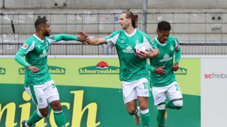 Rettete Werder einen Punkt in Freiburg: Niclas Füllkrug (M).
