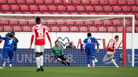 Ein Elfmeter von Daniel Borosinski brachte Mainz gegen Schalke in Führung.