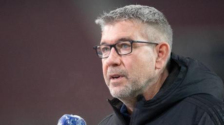 Ergreift Partei für seinen Landsmann und Trainer-Kollegen Lucien Favre:Union-Coach Urs Fischer.