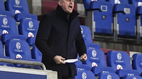 Schalkes Sportvorstand Jochen Schneider ist auf der Suche nach einem neuen Trainer.