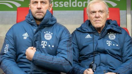 Hat eine sehr hohe Meinung vor Bayern-Coach Hansi Flick (l): Co-Trainer Hermann Gerland.