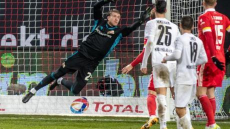 Stand nach langer Zeit wieder in einem Bundesliga-Spiel im Tor: Union-Keeper Loris Karius.